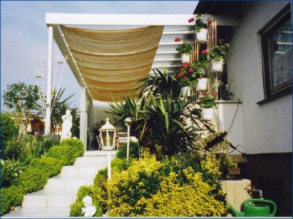 Terrassen-Überdachung mit Sonnenschutz