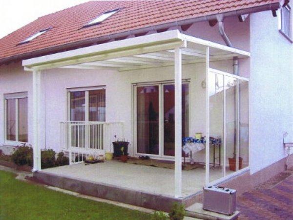 Terrassen-Überdachung mit Windschutz