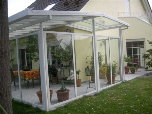 Überdachung Terrasse mit Windschutz / Wintergarten