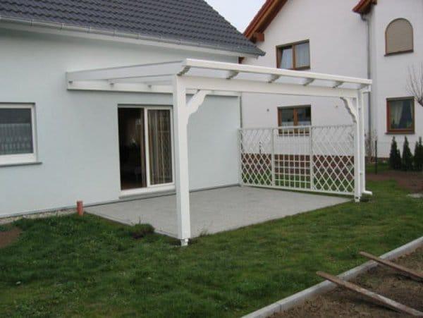 Überdachung Terrasse mit Pflanzgitter