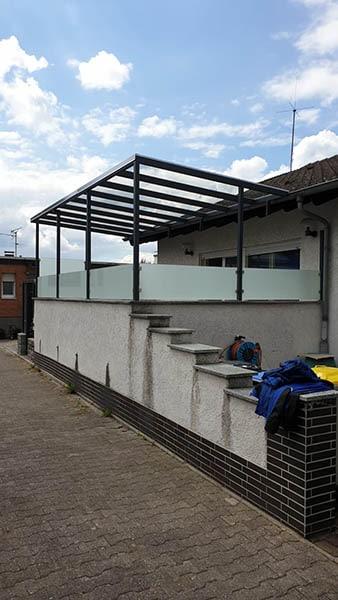 Überdachung Terrasse mit Sichtschutz